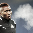 Yanga-Mbiwa abandona Newcastle rumbo a Roma