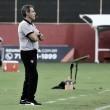 """Carpegiani critica time após derrota na estreia pelo Vitória: """"Falta de garra, de ambição"""""""