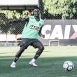 Thiago Larghi esboça Atlético-MG com Cazares e Matheus Galdezani no time titular