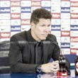 """Simeone: """"El tobillo es fuerte, calculo que Godín jugará"""""""