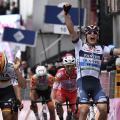Giro d'Italia: La prima volta di Cima, beffato il gruppo