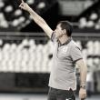 """Carille se indigna em derrota para Botafogo: """"Não pode colocar um árbitro inexperiente desses"""""""