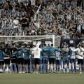 Los jugadores con la afición tras la eliminación   Foto. Málaga CF