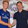 Jann-Fiete Arp snubs Bayern Munich to stay at Hamburg