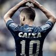 Arrascaeta se iguala a Perfumo em ranking de estrangeiros com mais jogos pelo Cruzeiro