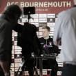 """Eddie Howe: """"Quedan pocos delanteros como Andy Carroll en la Premier League"""""""