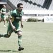 """Ederson cita família como ponto fundamental de boa fase no Vasco: """"São tudo para mim"""""""