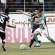 Adán salva un punto para el Real Betis