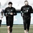 Benzema y Vallejo vuelven a pisar elcésped