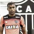 Com volta de Erazo, Marcelo Oliveira relaciona 23 jogadores para enfrentar Juventude