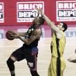 Estudiantes se estrella contra la defensa del Tenerife