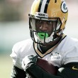 Packers age rápido e adquire running back Knile Davis após lesão de Eddie Lacy