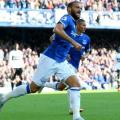 Everton 3-0 Fulham: Sigurdsson leads Toffees to crucial home win
