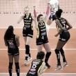 Praia Clube bate Sesc RJ e conquista título inédito da Superliga Feminina