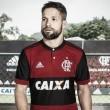 """Adidas explica logo descentralizado no uniforme do Flamengo: """"Visibilidade televisiva"""""""