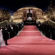 Deslumbrantes looks en la noche mágica de los Fashion Awards 2016