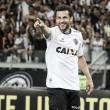 Fred marca três vezes, Atlético-MG goleia América-MG e se isola na liderança do Mineiro
