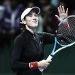 WTA Finals: Garbiñe Muguruza off to perfect start in Singapore with straightforward win over Jelena Ostapenko