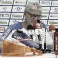 """Mesmo com vitória e liderança, Geninho vê pontos a melhorar no Avaí: """"Erramos muito"""""""