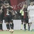 Milan sucumbe após expulsão, é derrotado pelo Genoa e perde chance de assumir liderança