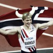 World Athletics Championships: Karsten Warholm storms to victory in 400m hurdles