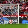 Liga - Buona la prima per Prandelli: doppio Suarez, il Valencia espugna Gijon (1-2)