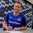 Everton anuncia contratação do meia Sigurdsson, ex-Swansea