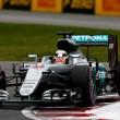 Formula 1, Gp Malesia: capolavoro Hamilton, pole e record della pista