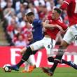 Hazard penalty hands Chelsea FA Cup win