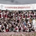 Homenagens! Título nacional do Ajax é dedicado a ex-colega de clube
