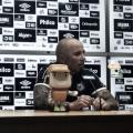 """Sampaoli afirma desconhecer motivo de ausência de Bruno Henrique na concentração: """"Só posso explicar que não se apresentou"""""""