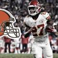 Kareem Hunt, nuevo corredor de los Browns
