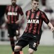 Botafogo encaminha chegada de João Pedro, meia do Atlético-PR