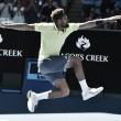 Australian Open, Tsonga resiste a Shapovalov. Avanti Seppi e Cilic