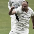 County Championship Division Two: Leicestershire dismissed for 43 to hand Worcester victory inside three days