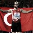 European Athletics Championships: Ramil Guliyev cruises to 200m title