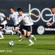El Mestalla vence y celebra la permanencia ante su afición
