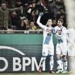 Napoli decide nos minutos iniciais, vence Milan no San Siro e segue na cola da Juventus