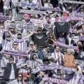 Abonados ondean sus bufandas | Real Valladolid