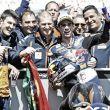 Miguel Oliveira cumple con victoria y retrasa la resolución del título