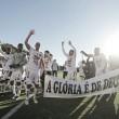 Jogadores do Operário comemorando a classificação para a Série B (Foto: José Tramontin/OFEC)