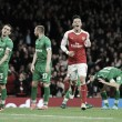 Özil y Chamberlain lideran la goleada Gunner