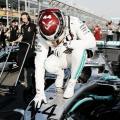 Hamilton gana la primera Pole del año