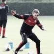 """Claude Puel: """"Jugar cada tres días es muy duro"""""""