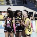 Em duelo de extremos, Praia Clube derrota Camboriú pela Superliga