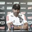 """Roger Machado exige volante, mas não quer pressa na contratação: """"Pode nos trazer problemas"""""""