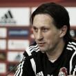 """Roger Schmidt: """"El Villarreal ha pasado y ha sido el mejor en los dos partidos"""""""