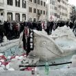 Roma sfregiata dai tifosi olandesi: condannati 19 hooligans