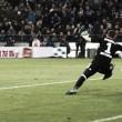 Schalke 04 joga para o gasto, bate Hamburgo e ascende à vice-liderança