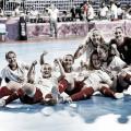 Las chicas de Claudia Pons celebrando la victoria sobre la pista. / Foto: EuropaPress